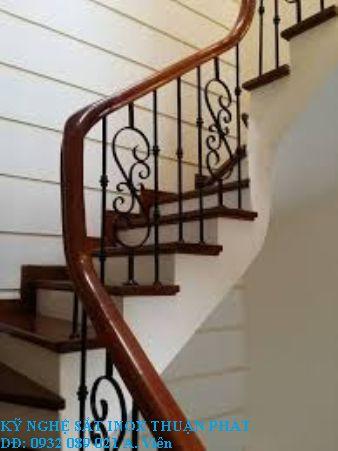 mẫu cầu thang sắt 01