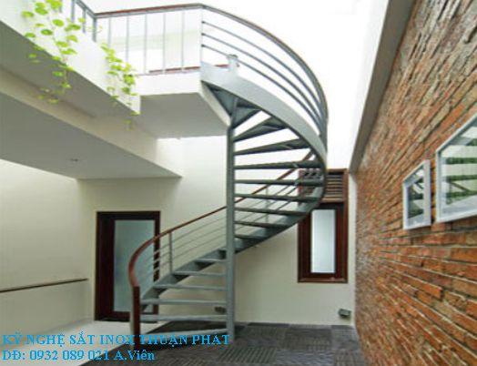 mẫu cầu thang sắt 08