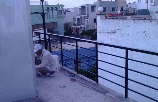 Lan can SẮT lắp đặt sân thượng nhà phố