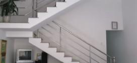 Cầu thang inox 01