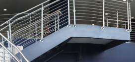 Mẫu cầu thang inox 06