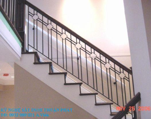 mẫu cầu thang sắt 09