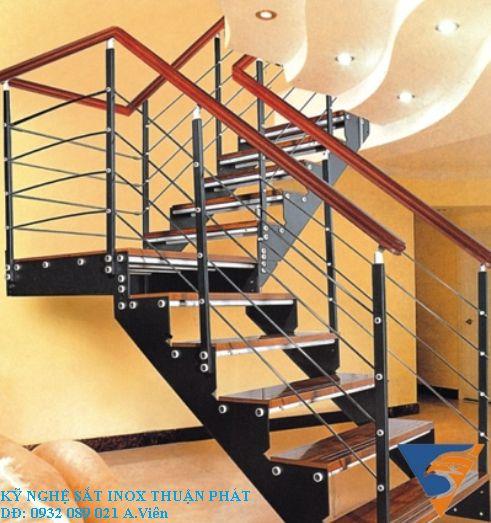 mẫu cầu thang sắt 04