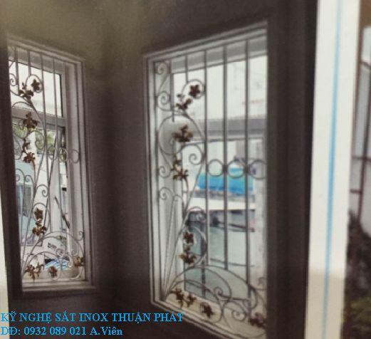 Khung bảo vệ cửa sổ 01