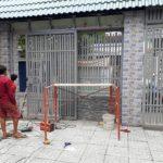 Cửa cổng sắt nhà phó