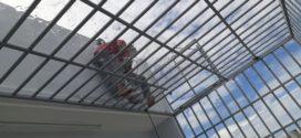 Khung sắt bảo vệ sân thượng
